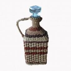 Плетеный графин из лозы